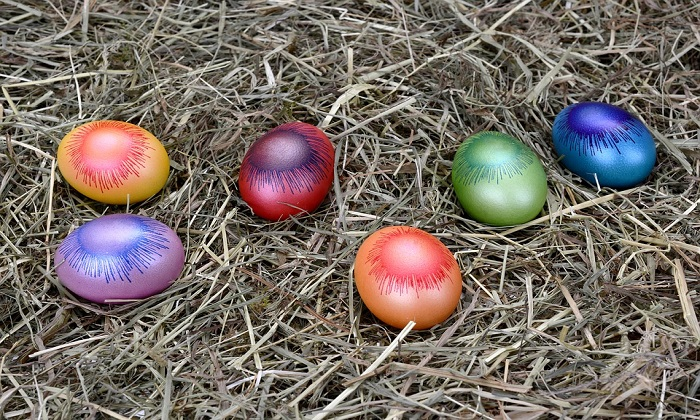 Laveno: colorazione delle uova di Pasqua e passeggiata di Pasquetta, due attività per una festa da vivere insieme